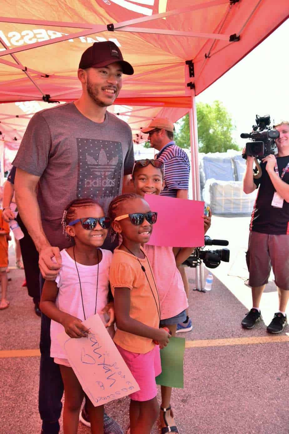 Carlos Correa Amp Mattress Firm Team Up To Donate 500 Beds